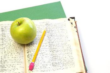 Student Success: 9 Foods to Boost Your Brain While Studying